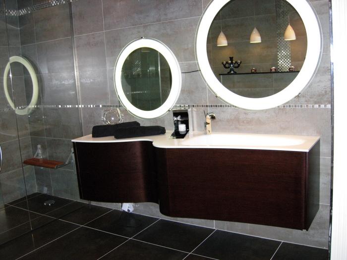 meuble salle de bain forme vague